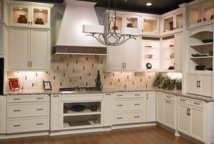 MF Tile Backsplash Beige Ivory Cabinets