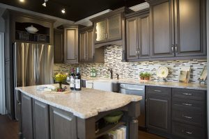 mf-tile-backsplash-tan-ivory-brown-dark-wood-cabinets